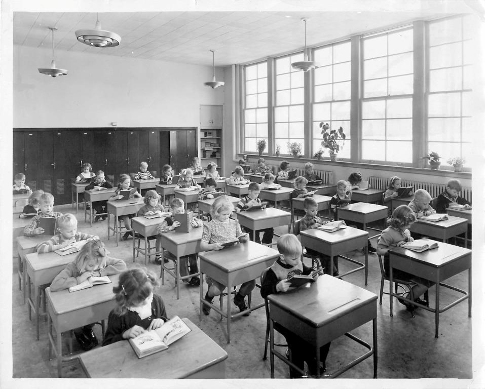1950s-elementary-classroom-compressed